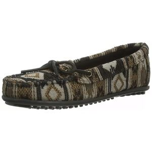 Minnetonka Baja 6.5 print moccasins Loafers shoes